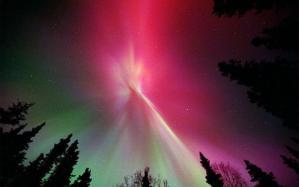 Purpurne nijanse se razlivaju po vecernjem nebu